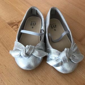 Gap silver ballet flats
